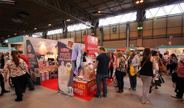 Attract-more-people-to-your-exhibition-stand